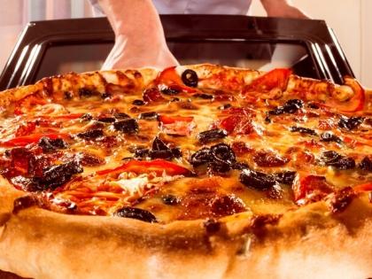 Pizza z piekarnika – jak upiec pizzę w domowych warunkach?